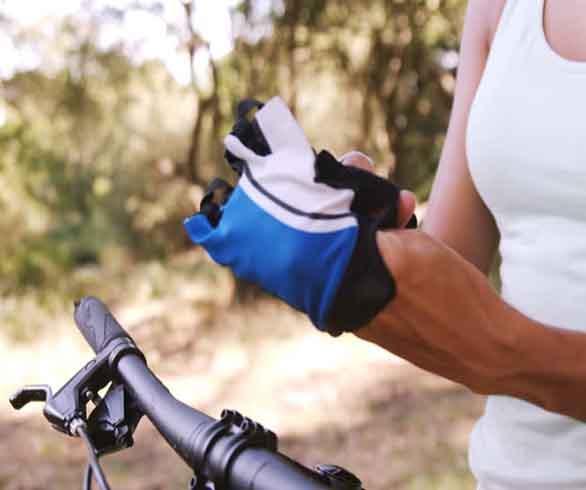Advantages cycling gloves